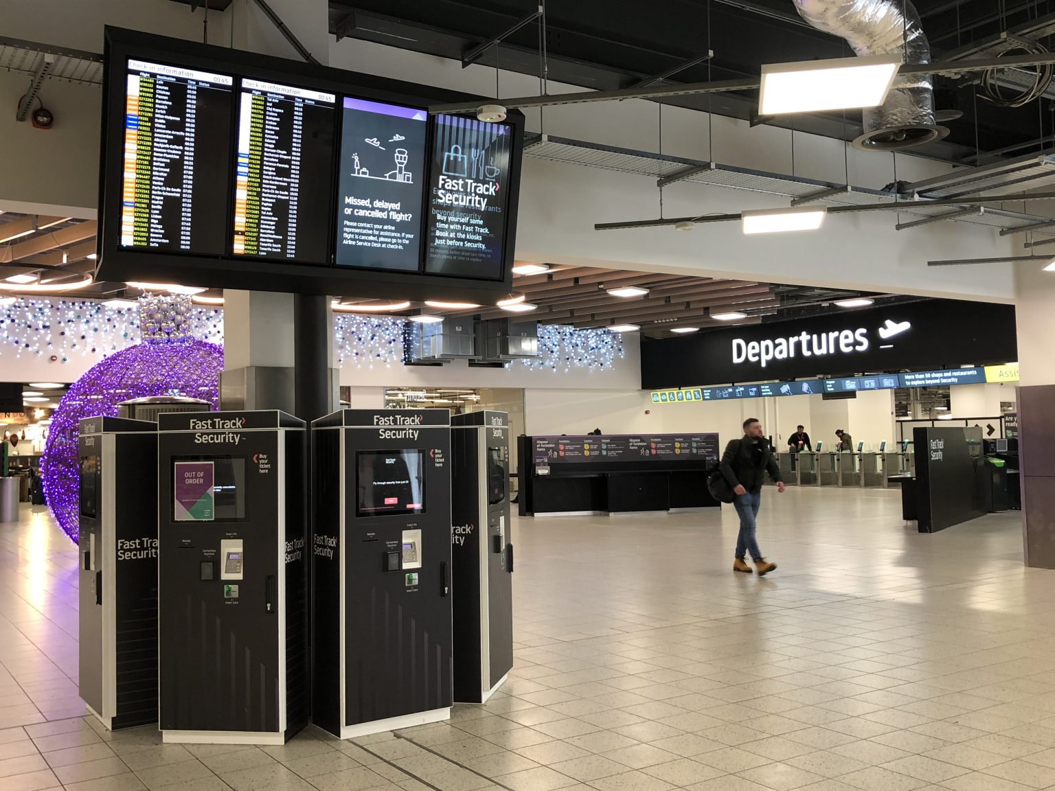 Flight and passenger information screens and ultrawide displays with digital signage